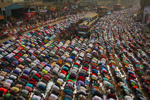 Bangladeshi Muslims Offer Friday Prayers by Anik Rahman(NurPhoto)