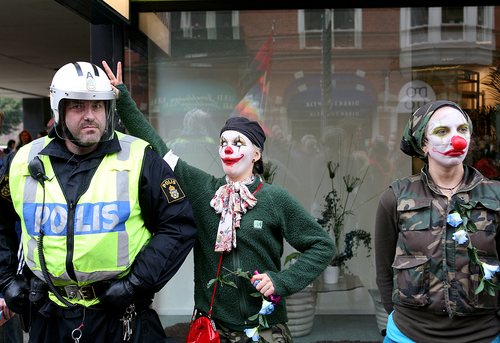 Police meets clown