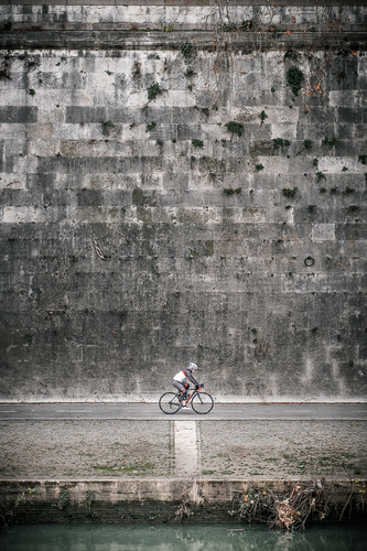 The loneliness of the cyclist