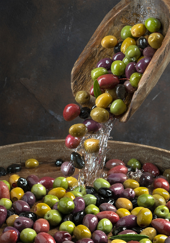 Olives Pouring Colors